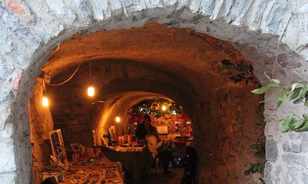 Mercatini di natale a como brienno allestisce i portici for Planimetrie del paese con portici